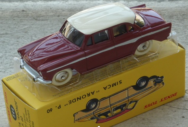 Simca P60 donker rood/wit DINKY TOYS (I:43)
