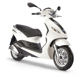 Scooter 25km New Fly 4t-2v Wit Perlato 566