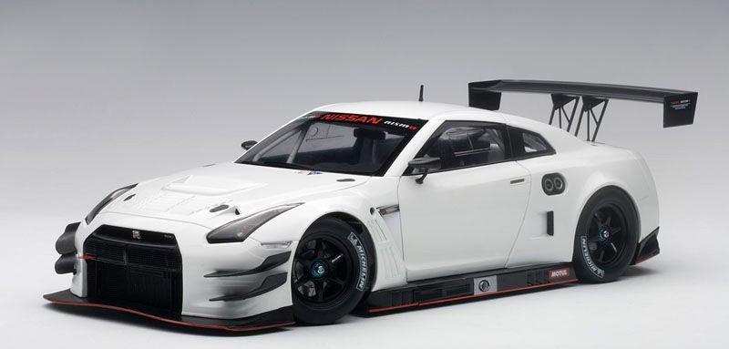 NISSAN GT-R NISMO GT3 (1:18) (AUTOART)